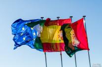 Banderas al viento