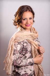 Retrato Débora flash externo nikkor 50 mm para facebook