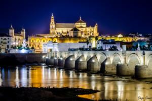 cordoba nocturna puente romano y mezquita nikkor 50mm para facebook