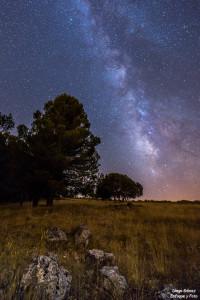 campamento padul vía lactea piedra arboles enfoque y foto para facebook