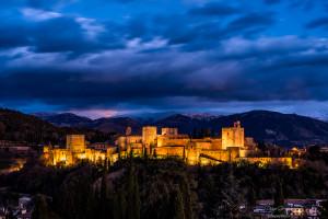 exposición cuando cae la noche comienza la magia alhambra