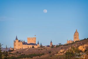 segovia alcazar catedral luna llena